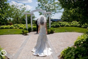 Our outdoor wedding ceremony garden is so perfect for the photos you take at your wedding venue!